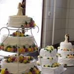 Csengerújfalui-Osváth Jánosné keze alatt készülnek a tortacsodák.